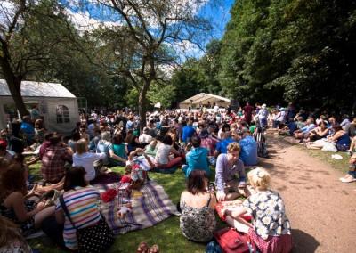 Crowd - Folk Forest - Tramlines 2014 - Photo Simon Butler - Compressed