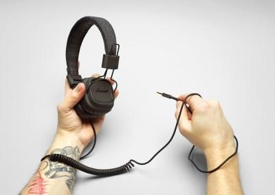 marshallheadphones_major_pitchblack_hand4_rgb_lowres - Copy