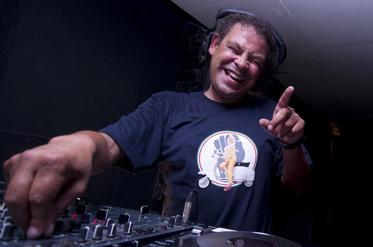 Tramlines adds to electronic bill sliding doors publicity Where does craig charles live