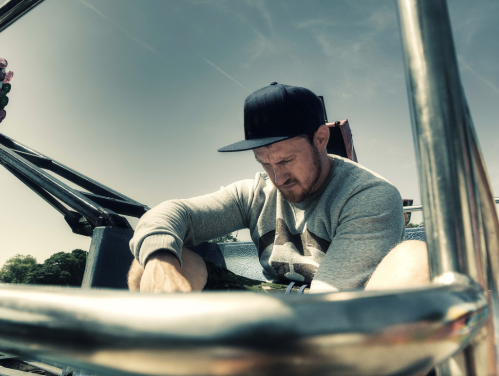 Low Steppa Steps up to the Minirig Mix Series